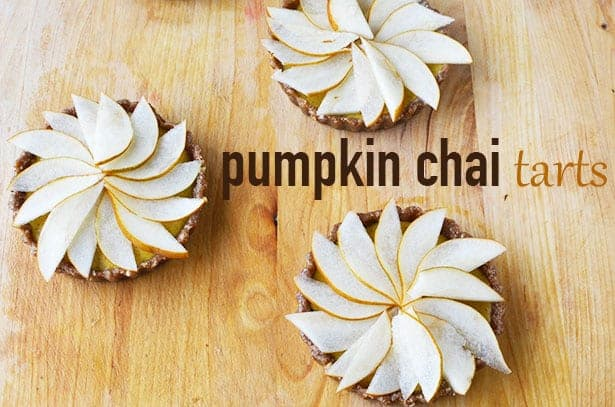 Pumpkin Chai Tarts! Healthy, raw, vegan and gluten-free tarts with vegan chai cream and pear.