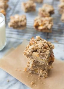 Apple Pie Bars! These bars taste just like apple pie- with a fraction of the work! Whole-wheat and oat crust with seasoned apples. | www.delishknowledge.com