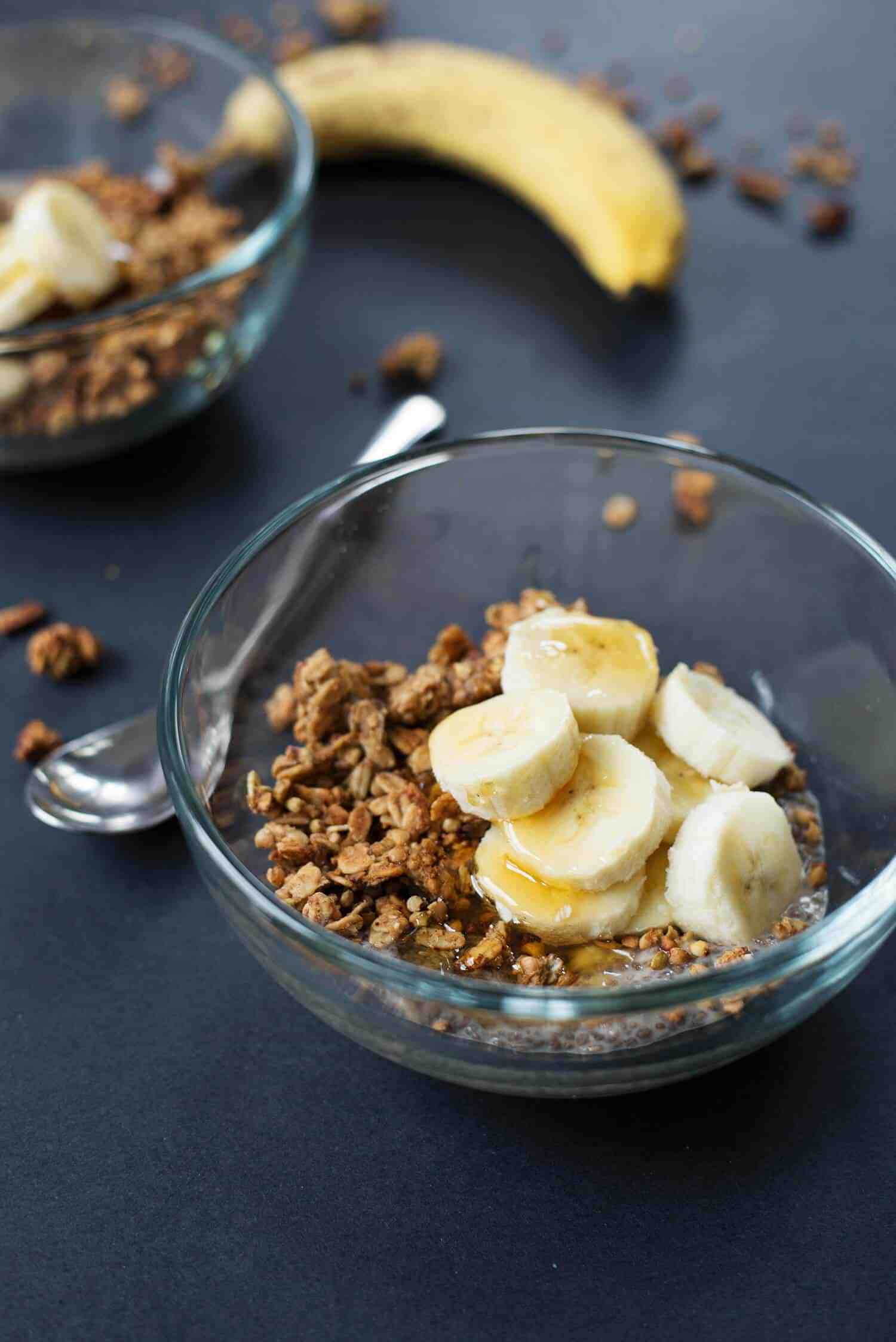 Banana Bread Chia Pudding with Buckwheat Clusters! A yummy vegan and gluten-free breakfast. | www.delishknowledge.com