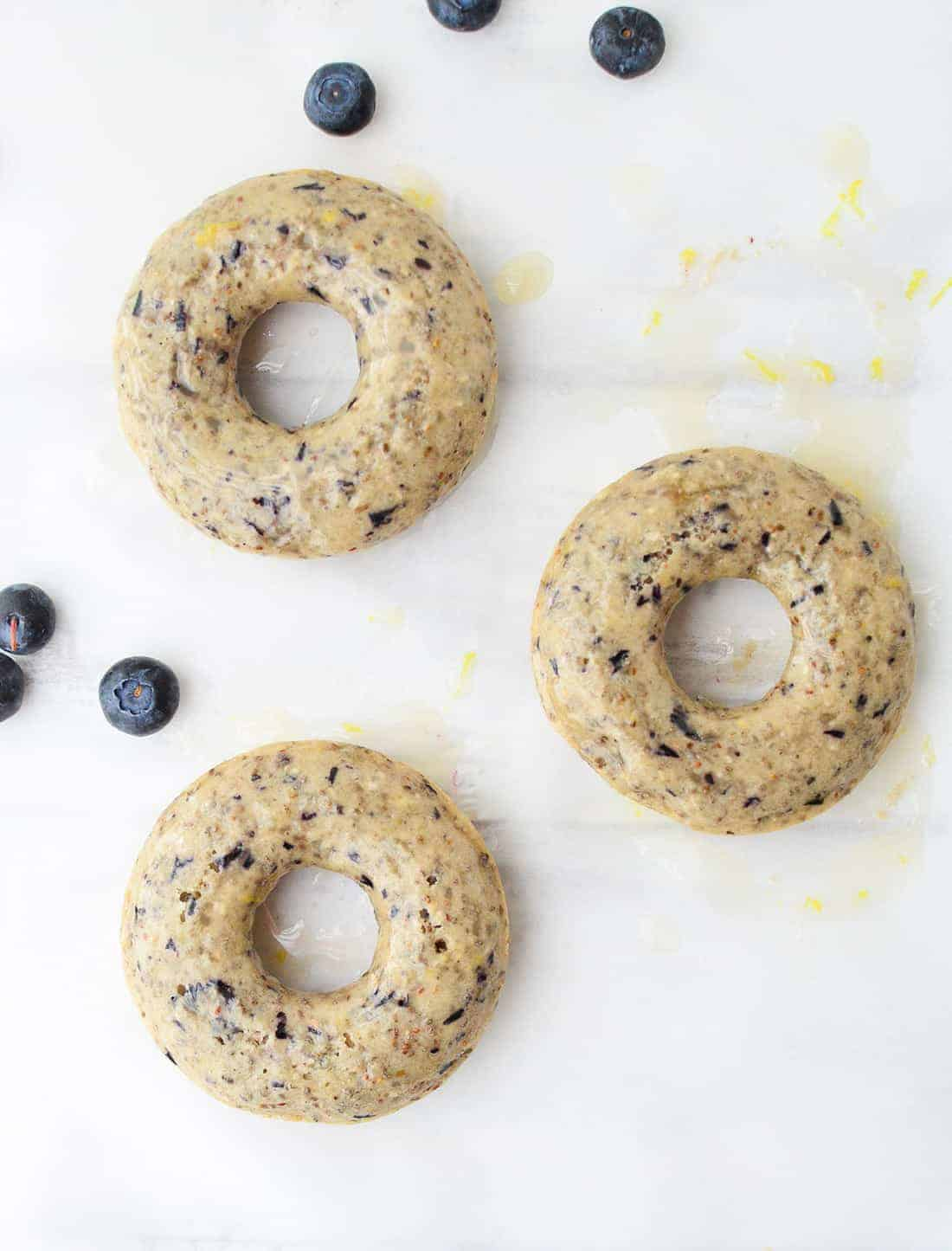 Blueberry Lemon Chia Donuts! Vegan cake donuts that are packed with fiber and omega-3 fatty acids! Perfect for breakfast, snack or dessert! |www.delishknowledge.com