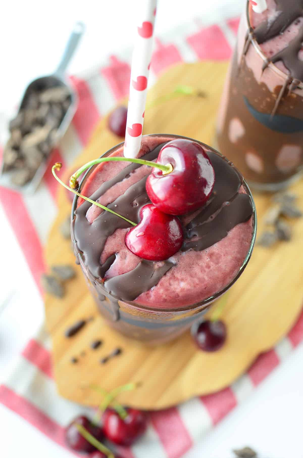 Chocolate Cherry Milkshakes! Just 4 ingredients, naturally sweetened and dairy-free! Everybody will love these, you've gotta make them. #vegan #dairyfree #kidfriendly #dessert | www.delishknowledge.com