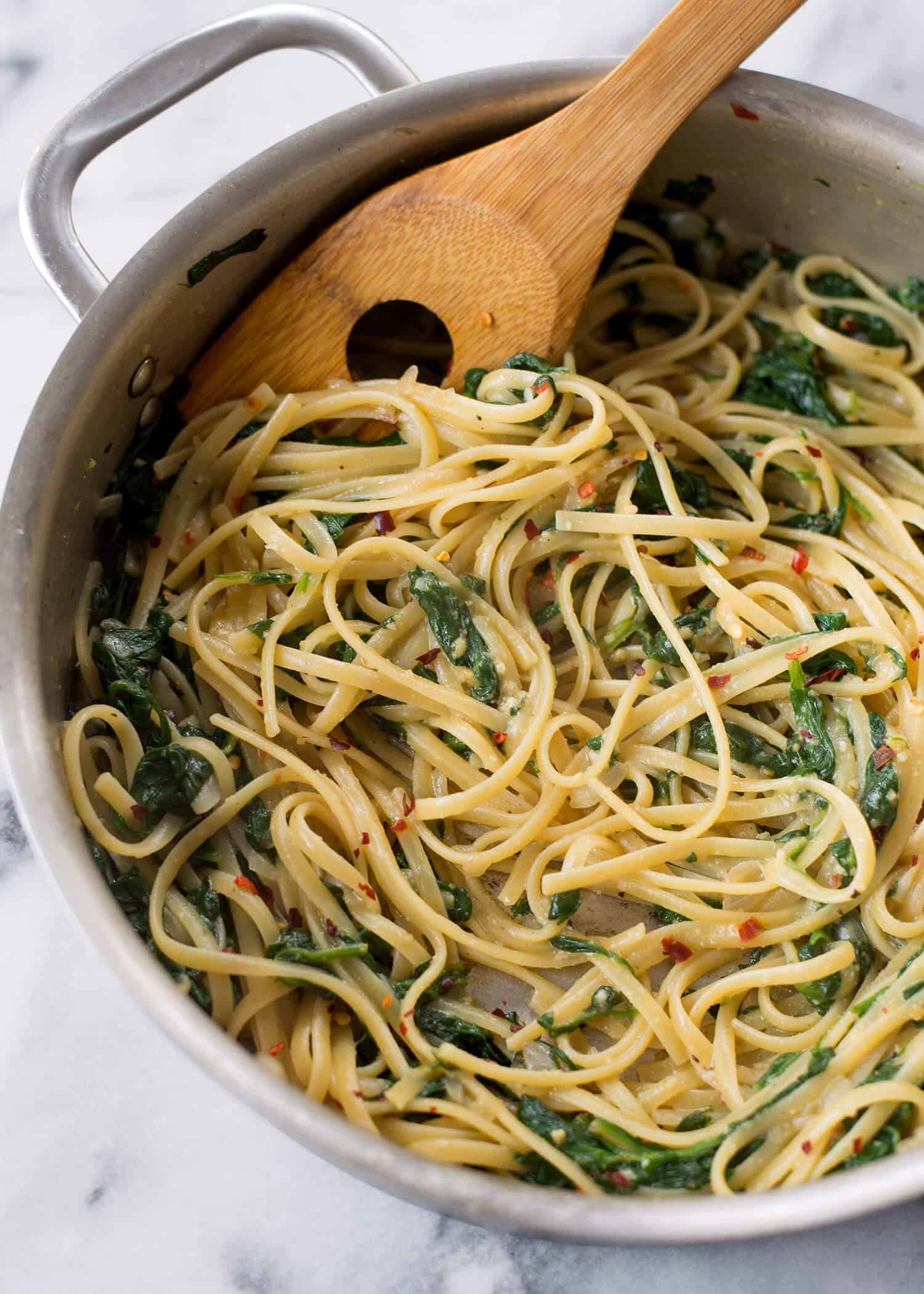 Easy, 20 Minute Vegan Pasta! You are going to love this healthy, easy vegan pasta! With a trick to creating glossy, restaurant-style pasta, this is a must save for quick dinners. | www.delishknowledge.com