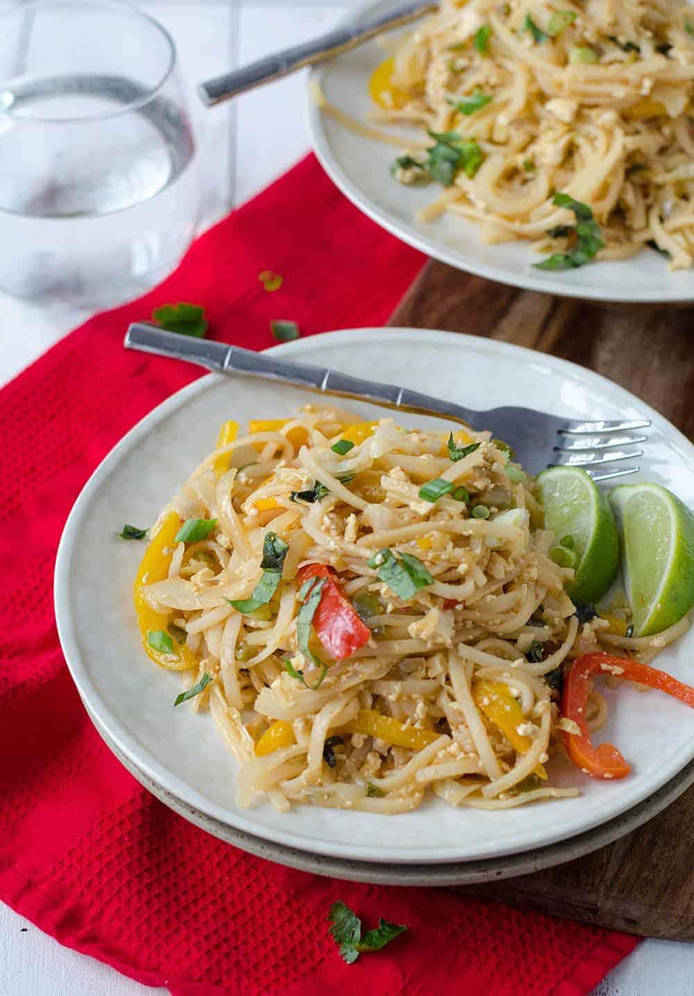 Easy vegan drunken noodles delish knowledge easy vegan drunken noodles spicy sauce with rice noodles and vegetables easier and healthier forumfinder Images