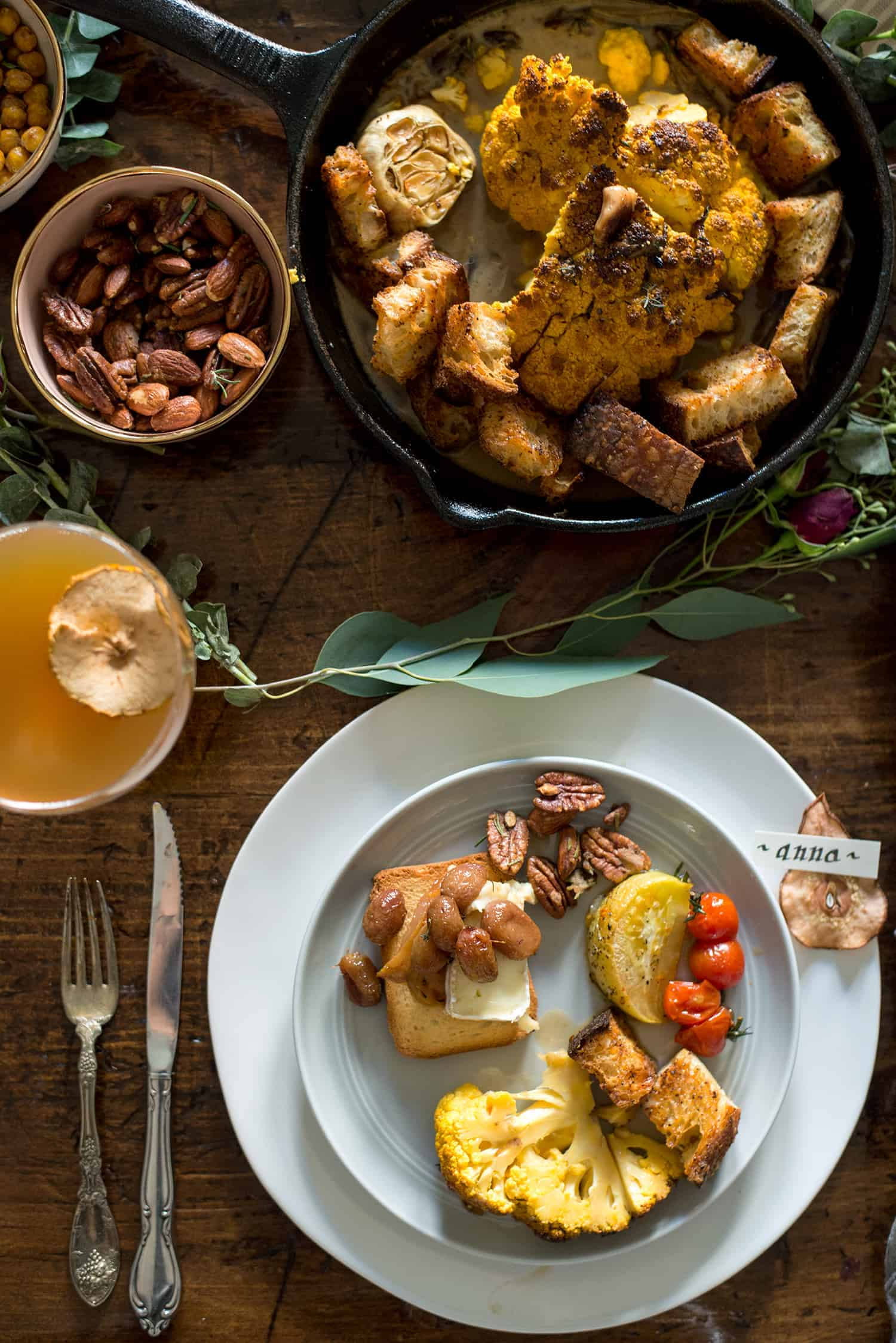 Fall Cocktail Party! Everything you need for a beautiful Fall cocktail party, full menu, beverage, table decor and place-setting. | www.delishknowledge.com