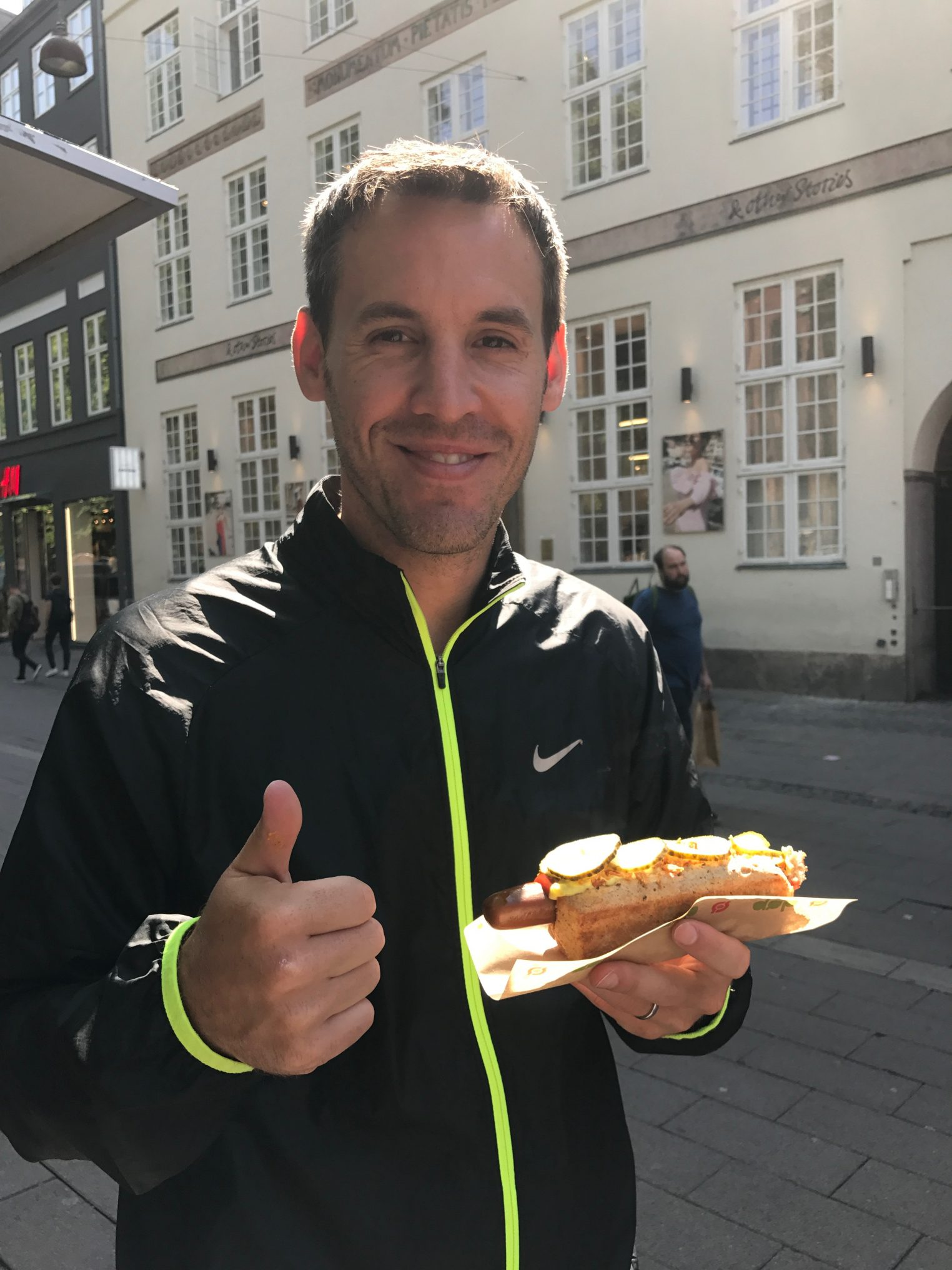 BL was so excited to find a veggie dog! It's much easier to be vegetarian in Denmark now than it was 15 years ago when I was last there, but it still isn't the easiest.