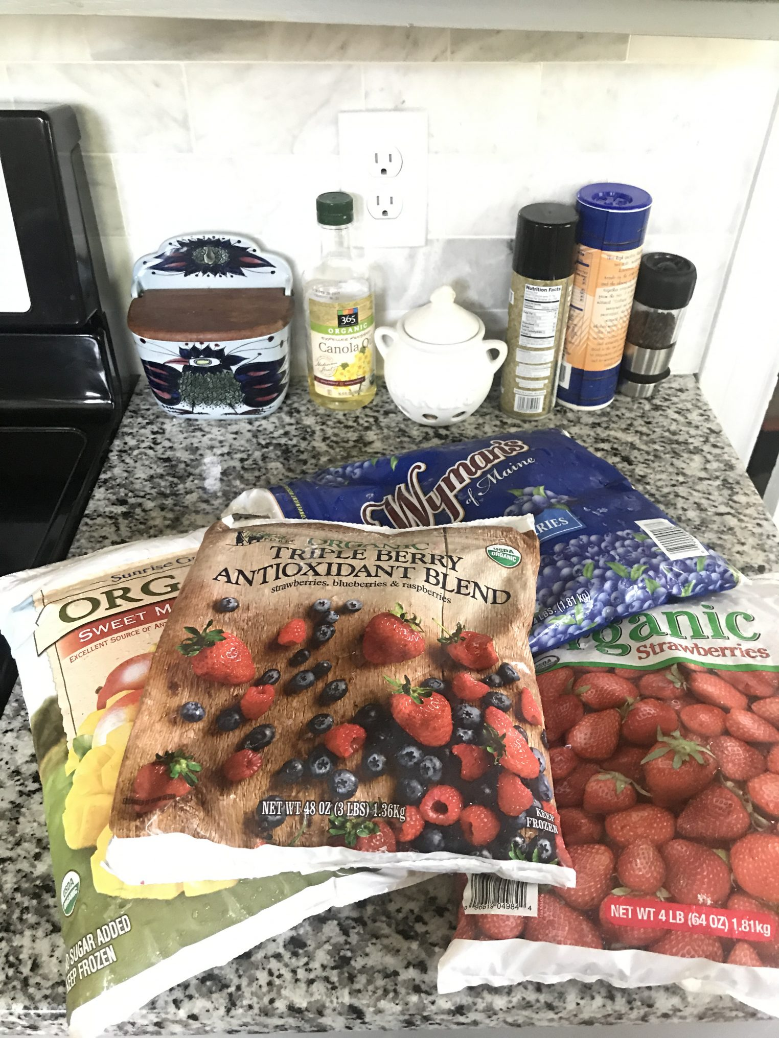 What to buy at Costco, healthy finds from a Registered Dietitian Nutritionist. www.delishknowledge.com