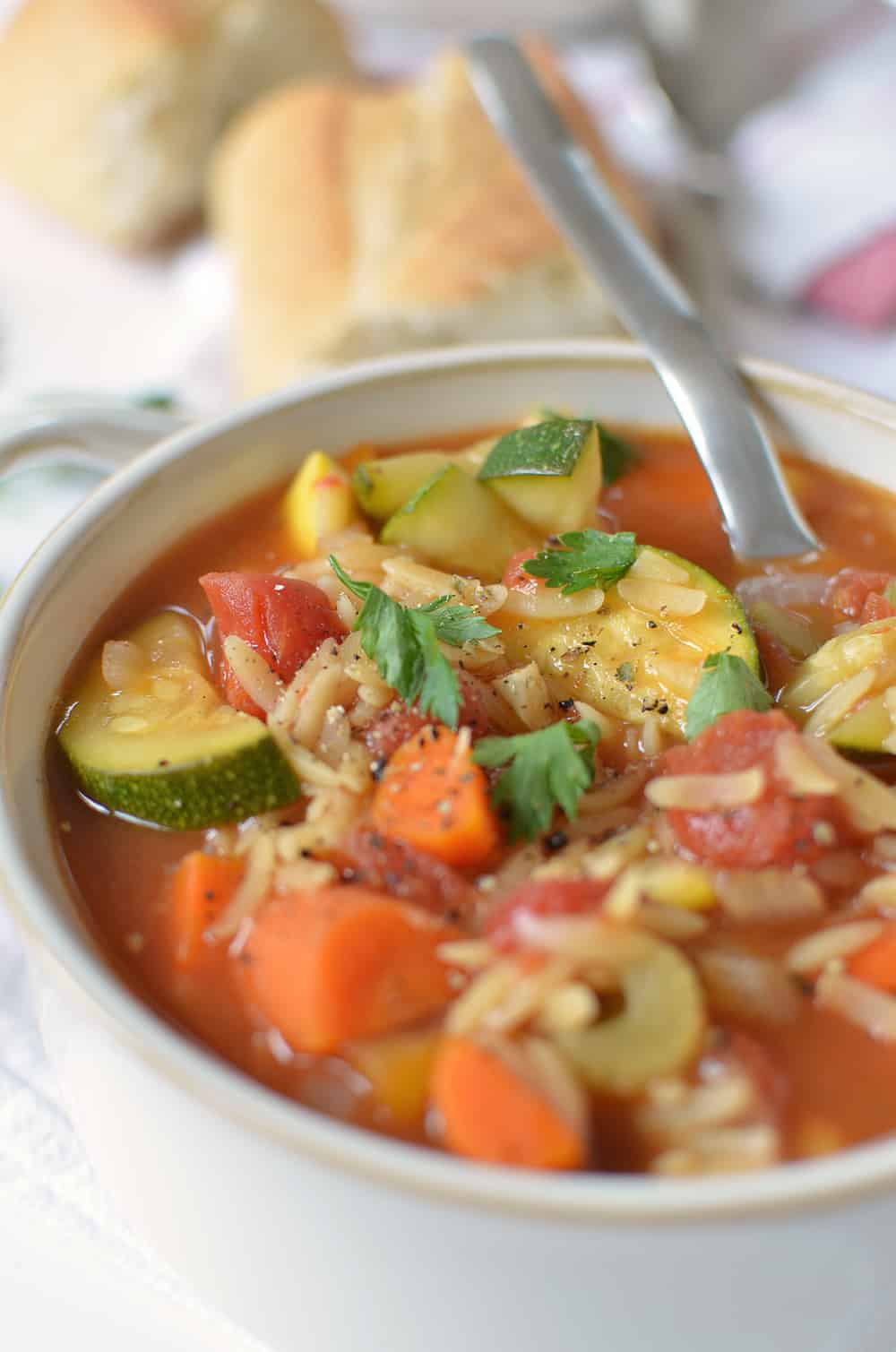 Italian Orzo Soup! Packed with vegetables, this is healthy comfort food at it's finest! Less than 250 calories per serving, a must make!   www.delishknowledge.com