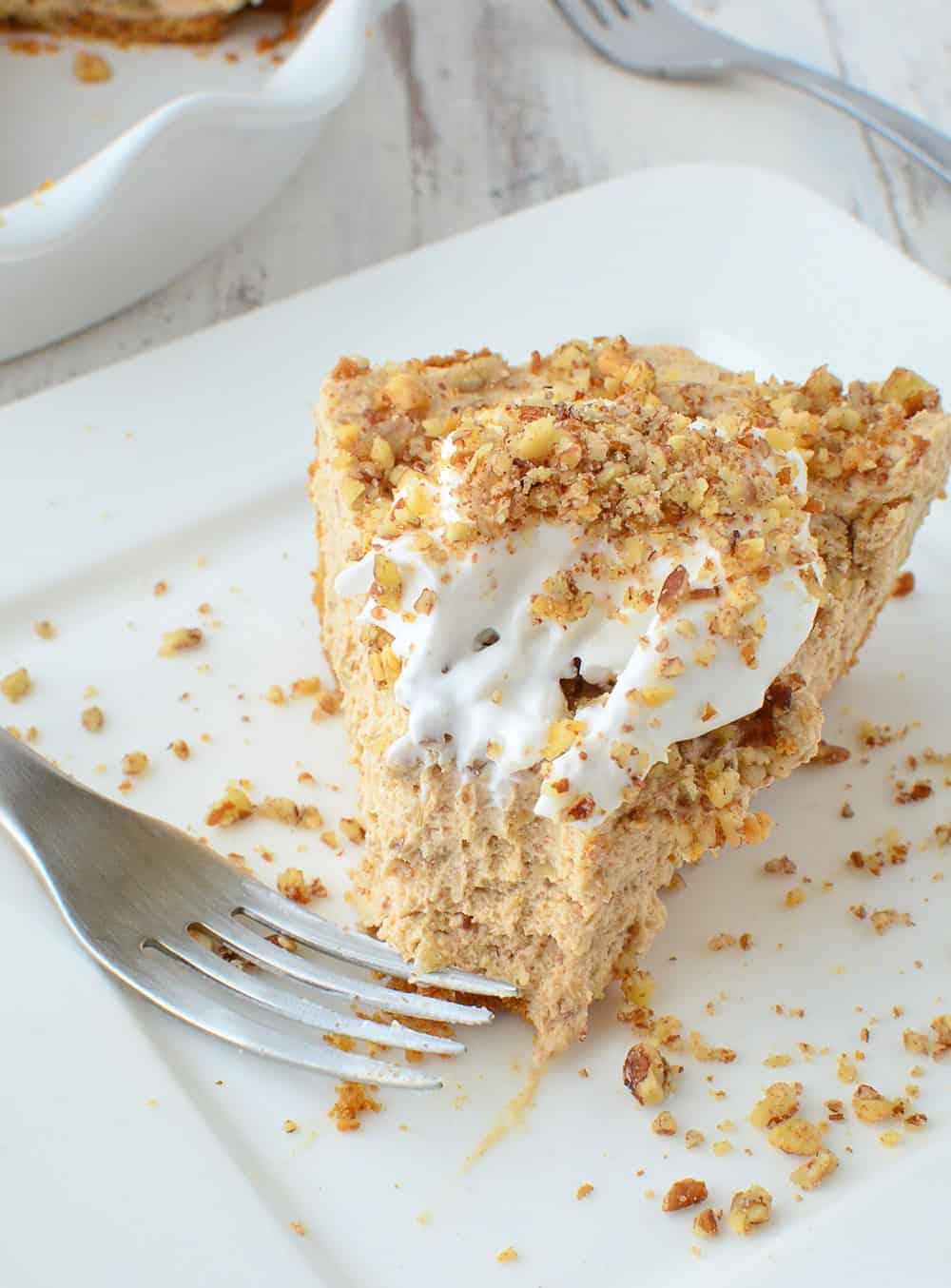 Peanut Butter Banana Cream Pie! Creamy, fluffy peanut butter and ...