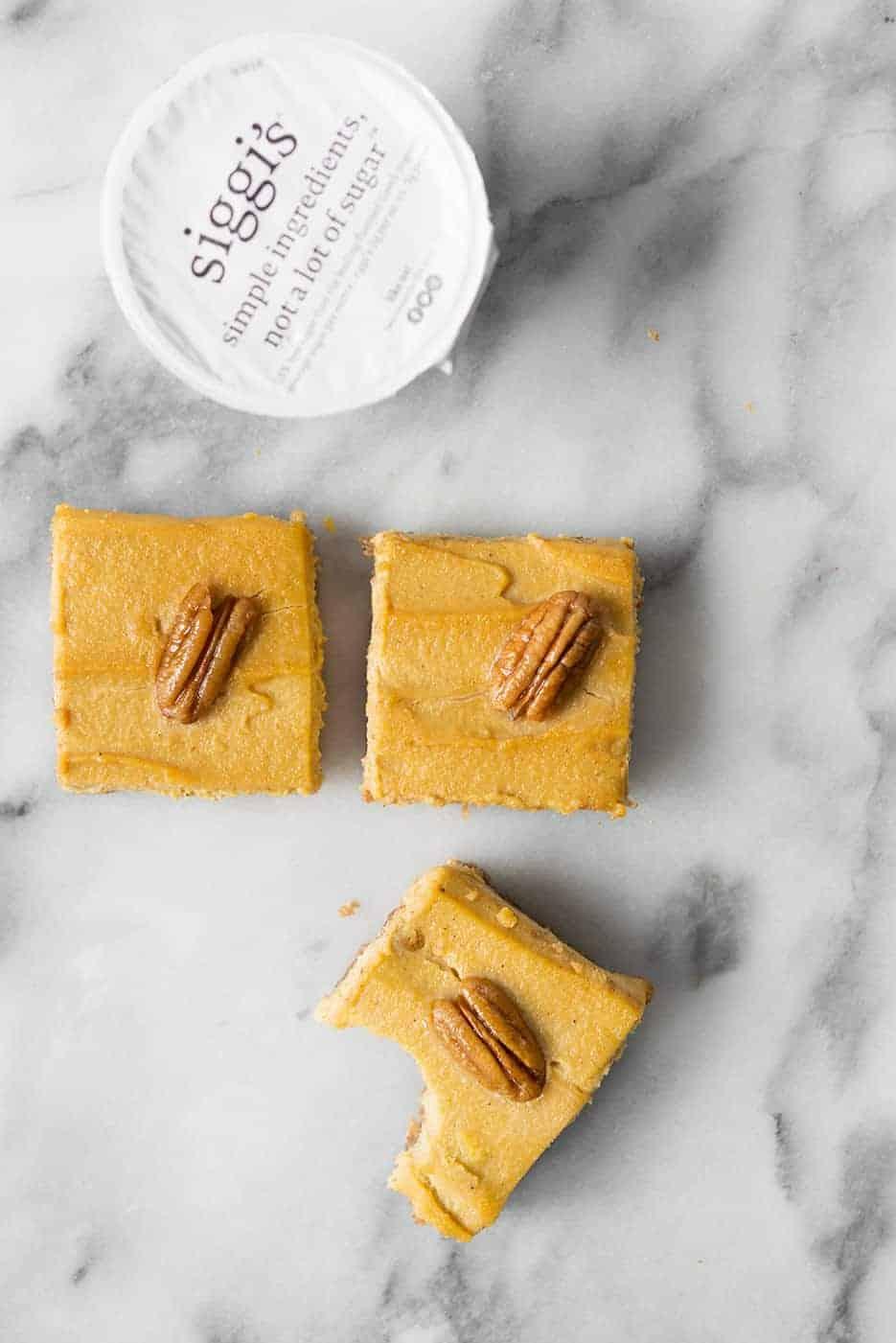 no-bake gluten-free pumpkin cheesecake bars