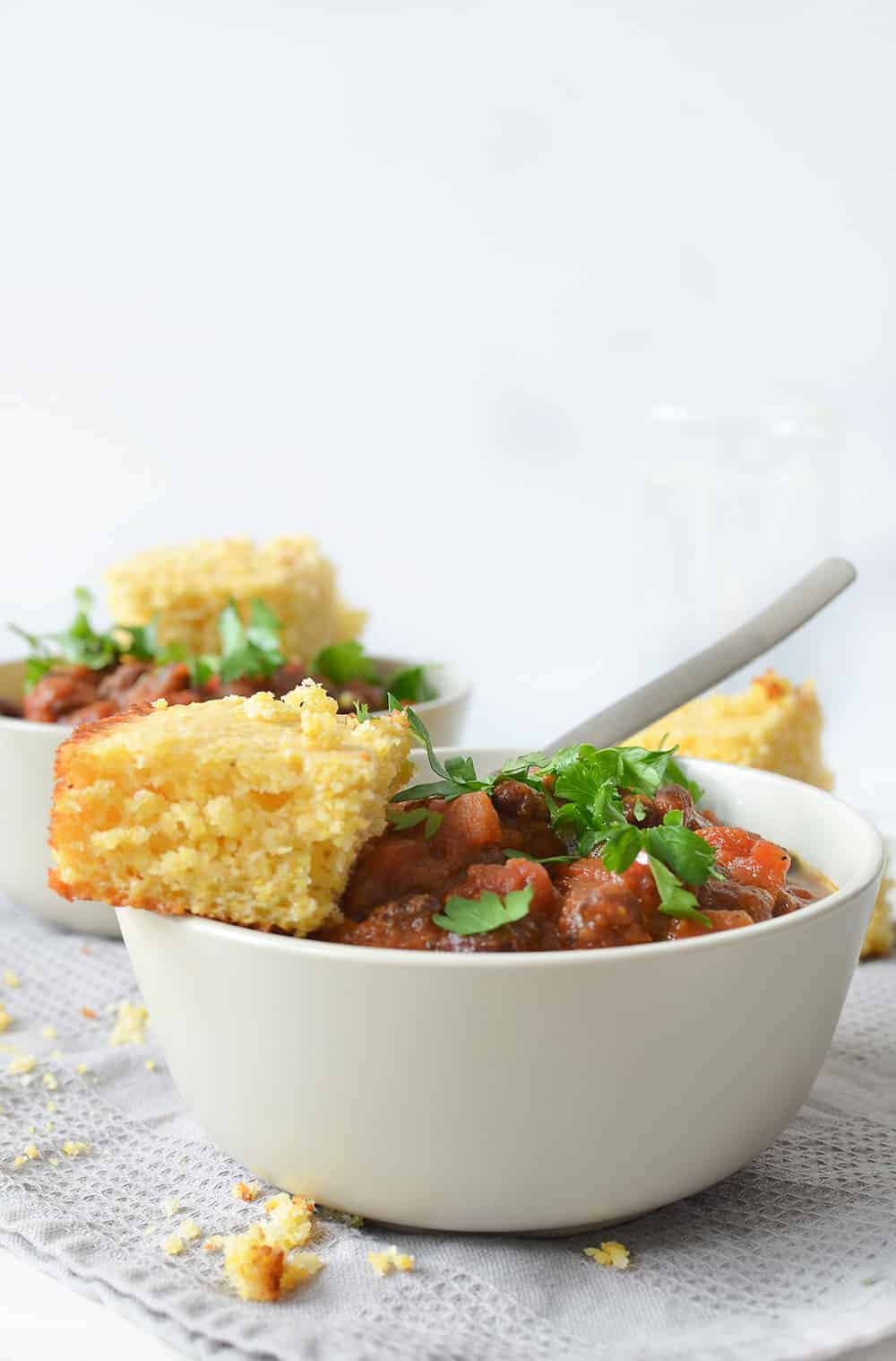Pumpkin Chili with Cornbread3notext