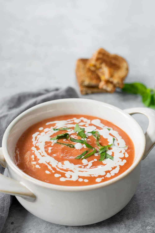slow cooker creamy vegan tomato soup