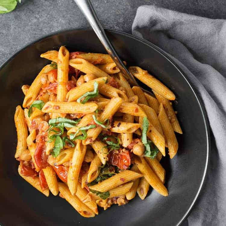 spicy tomato penne pasta delish knowledge