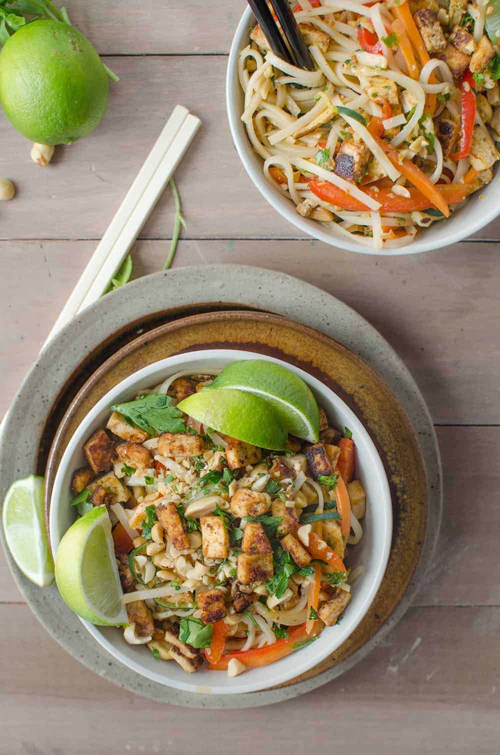 Spicy Vegan Pad Thai! Spicy pad thai with Sriracha tofu crumbles. Vegan and Gluten Free | www.delishknowledge.com