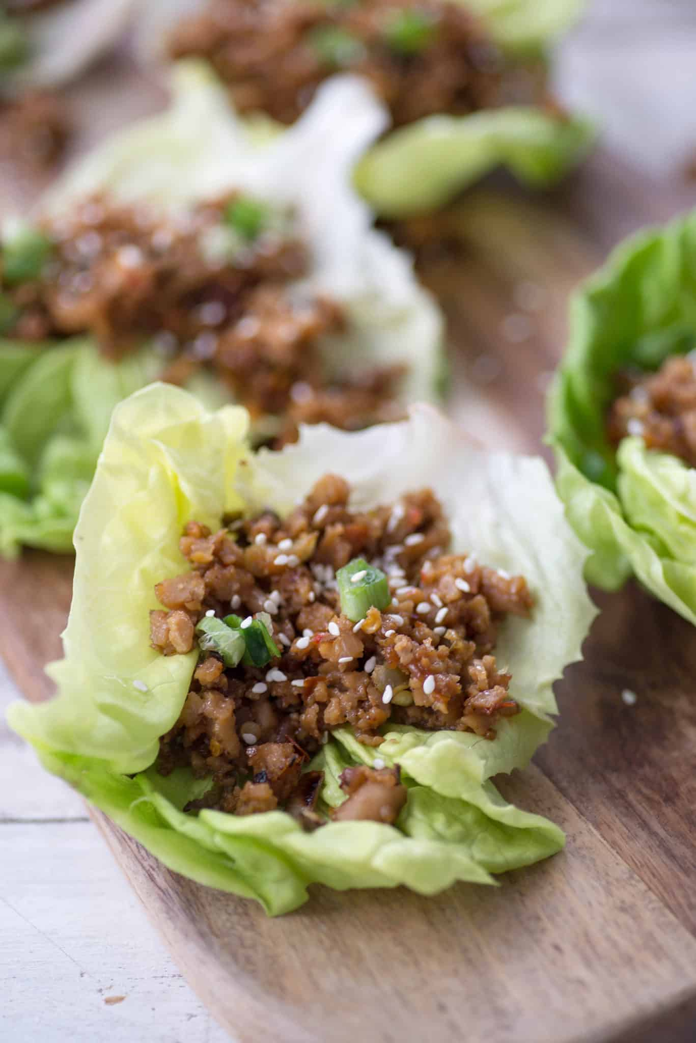 Vegan Thai Larb Lettuce Wraps! These spicy vegan wraps are the perfect healthy dinner. | www.delishknowledge.com