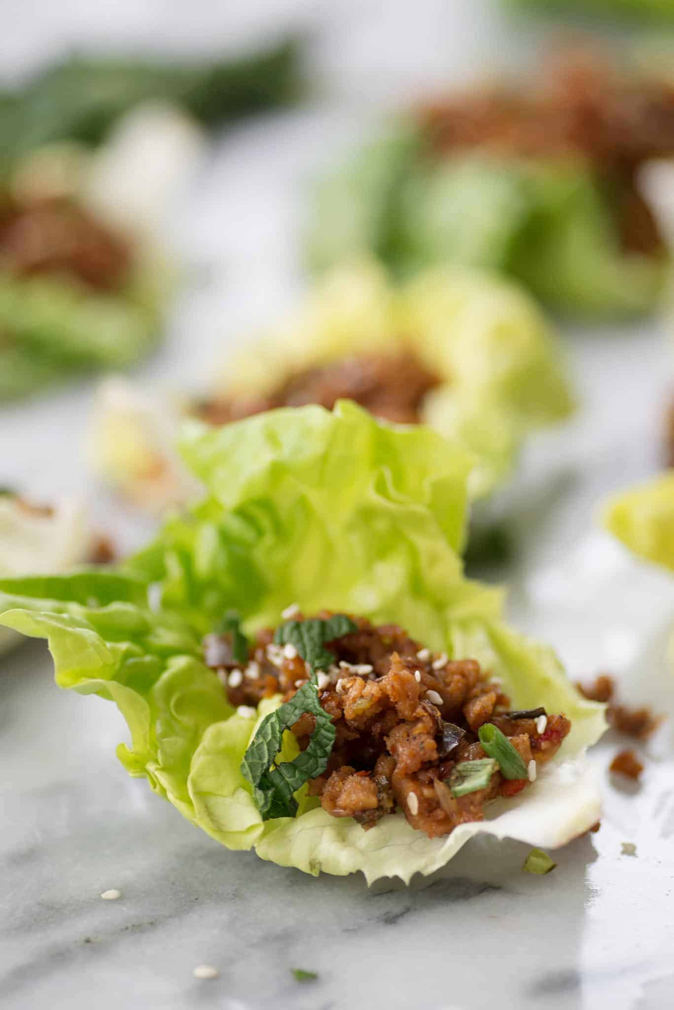 Vegan Thai Larb Lettuce Wraps! These spicy wraps are the perfect healthy dinner, vegan. | www.delishknowledge.com
