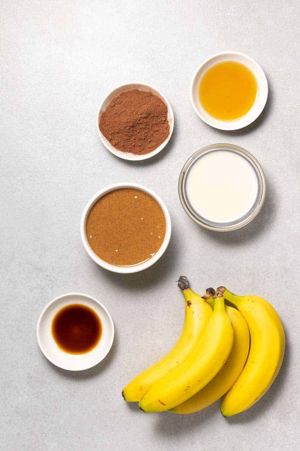 Raw ingredients for the banana popsicles