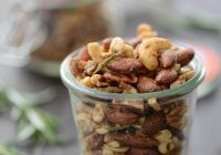 Sweet and Spicy Rosemary Roasted Nuts! You will LOVE these roasted nuts, perfect for christmas gifts. Vegan, Gluten-Free and Naturally Sweetened. | www.delishknowledge.com #vegan #glutenfree #diygift #roastednuts #healthysnack #snacks #recipe #foodgifts