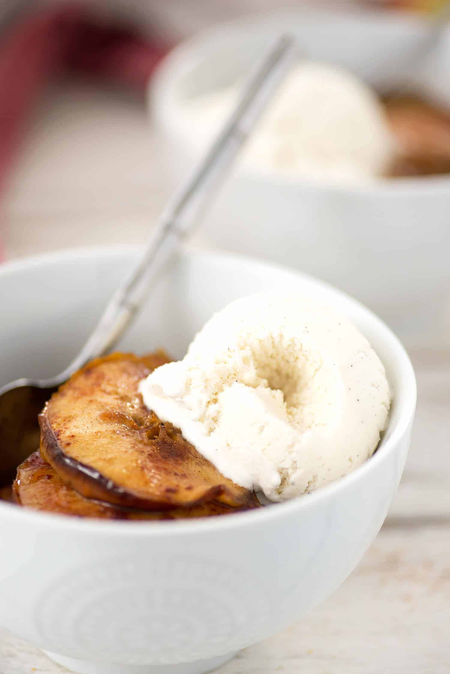 Simple Baked Apples! These are so easy and only 3 ingredients! A healthy snack or dessert. Top with ice cream or yogurt. | delishknowledge.com