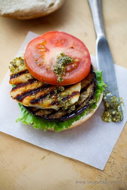 grilled-eggplant-halloumi-pesto-burgers1