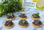 olive gremolata with gluten free crackers beton