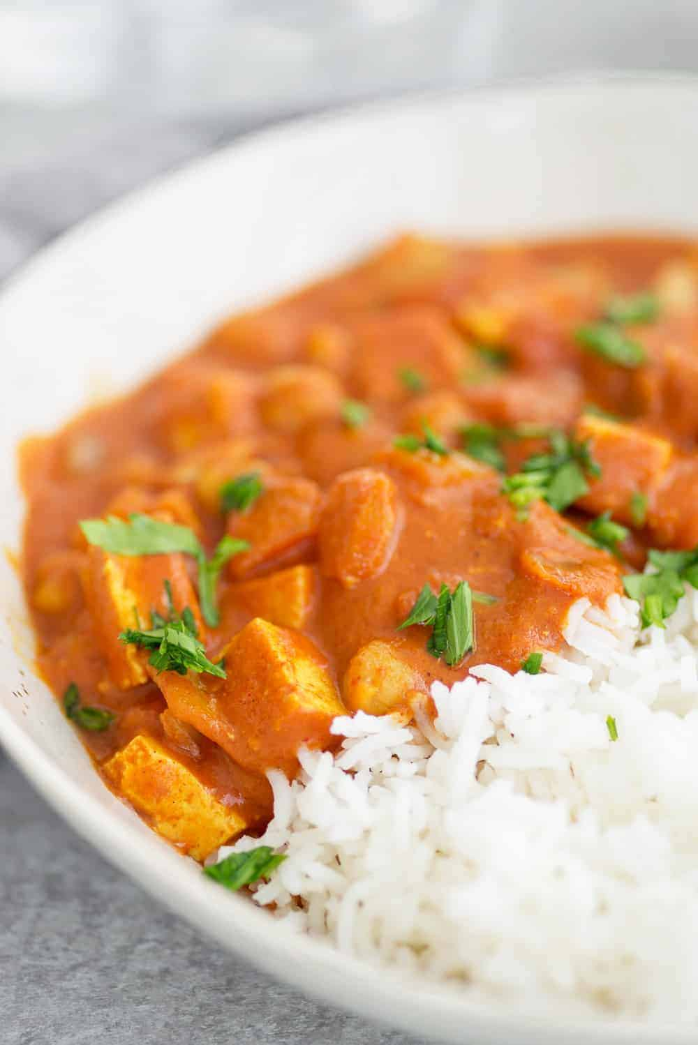 vegan chickpea slow cooker tikka masala close up
