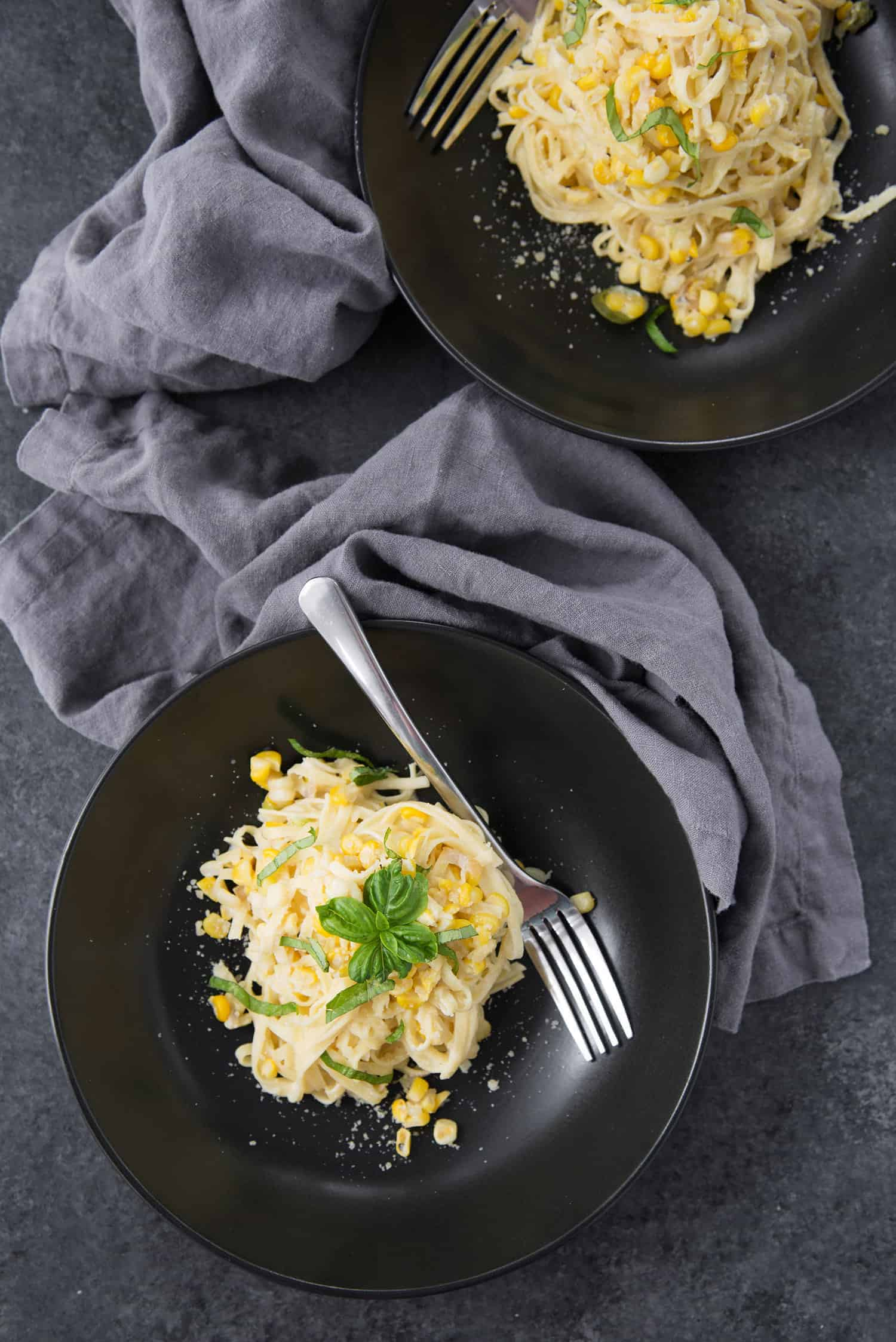Spicy Corn Linguine! This is the perfect healthy farmer's market dinner. Corn with fresh pasta in a light sauce.   www.delishknowledge.com