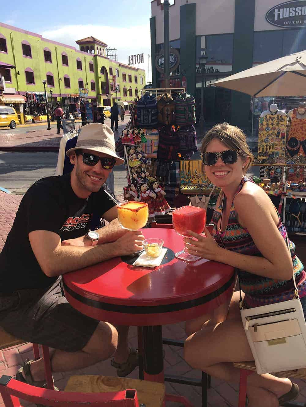 Healthy Travel! Top 10 tips from a Registered Dietitian on how to stay healthy (and still have fun) while traveling. #travel #healthy #fitness | www.delishknowledge.com