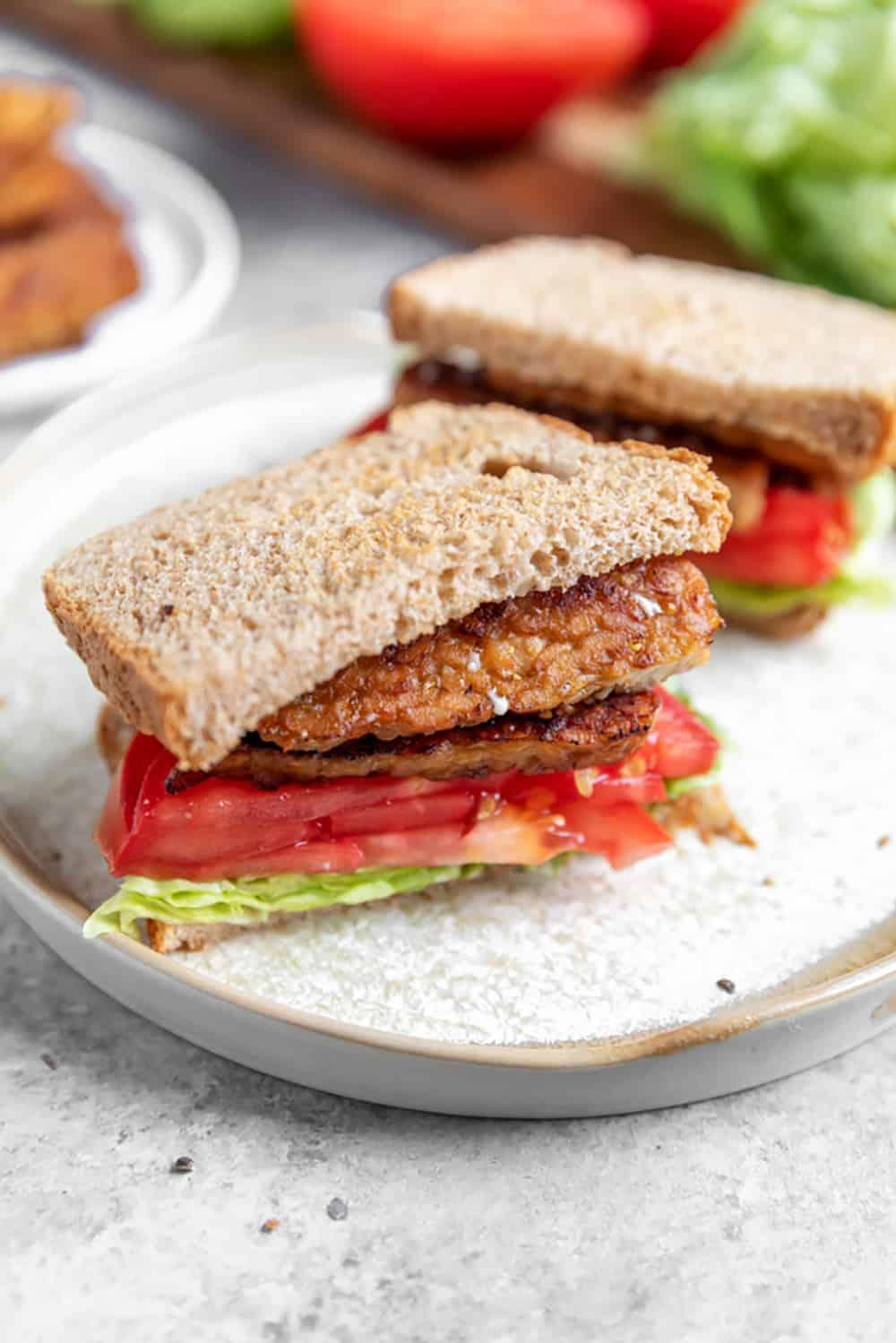 sanduíches veganos BLT