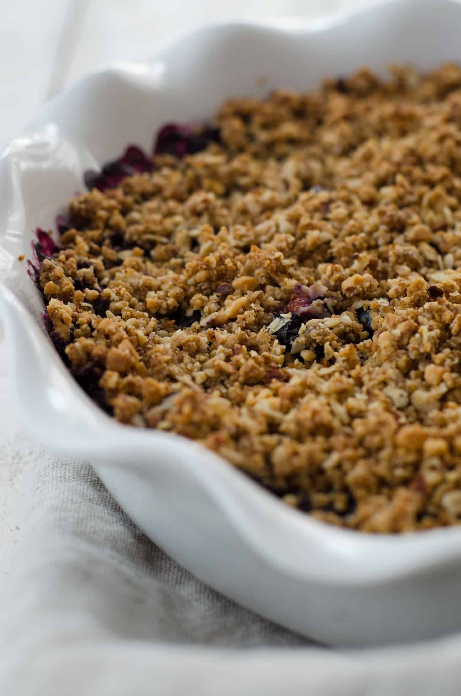 Vegan Blueberry Almond Crisp! Oat and Almond Blueberry crisp, perfect for summer! Easily gluten-free. | www.delishknowledge.com