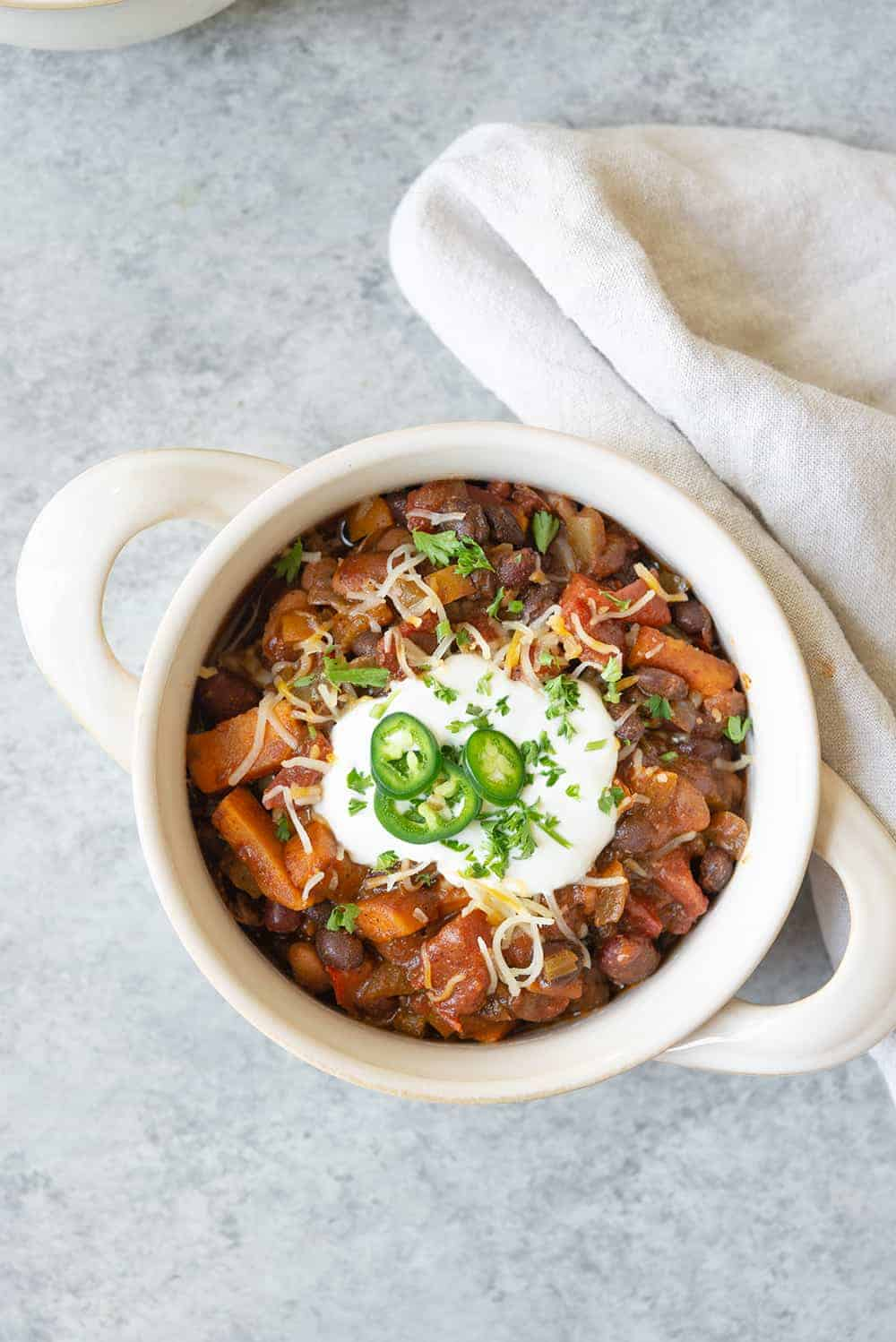 vegetarian bean chili made with 3 beans